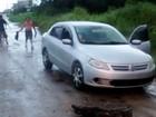 Morador reclama de avenida sem asfalto em Itanhaém, no litoral de SP