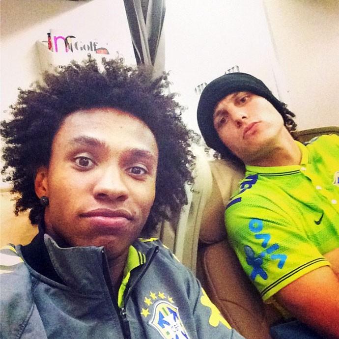 Brasil avião david luiz e willian (Foto: Reprodução / Instagram)