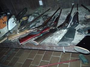 """Nove armas de caça também foram apreendidas durante operação """"Curupira do Norte"""" (Foto: Divulgação/Polícia Federal)"""
