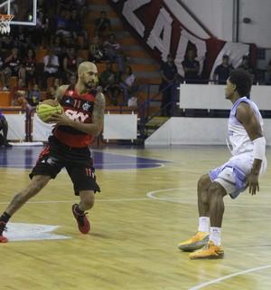 macaé basquete x flamengo, estadual de basquete (Foto: Raphael Bózeo / Macaé Basquete)
