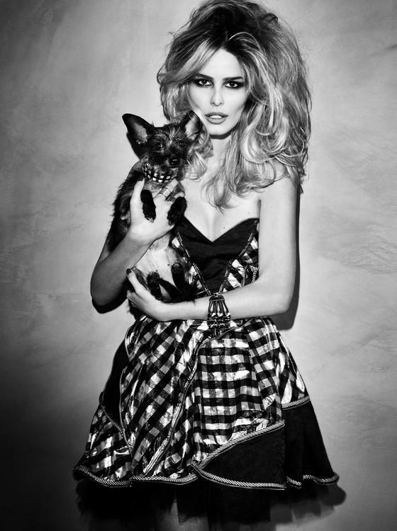 Yasmim Brunet dá seu apoio à campanha em prol dos cães e gatos abandonados (Foto: Divulgação)
