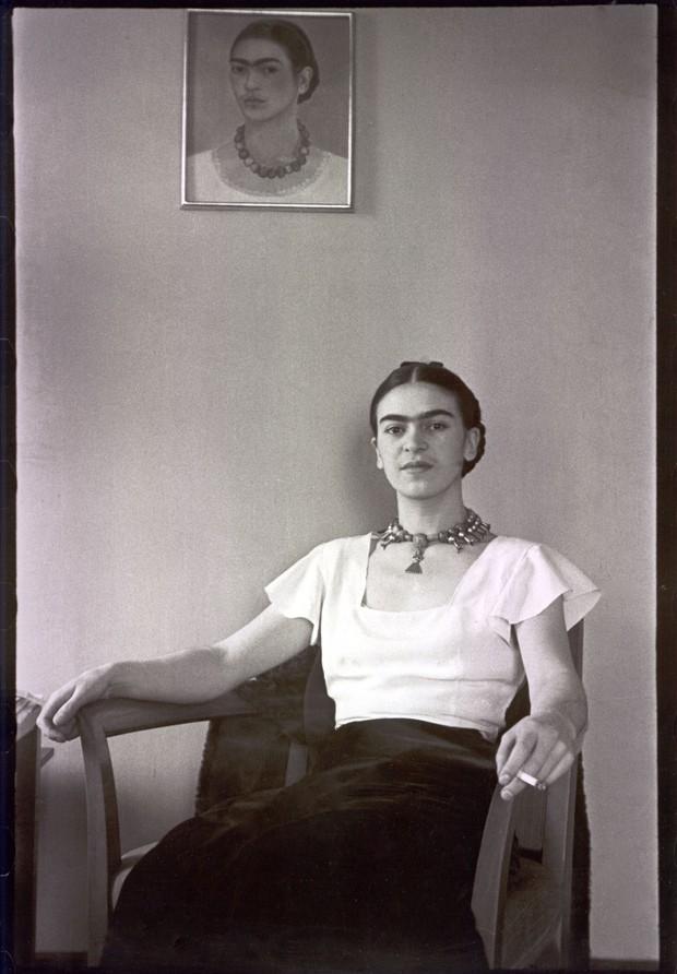 Lucienne Bloch, 'Frida Kahlo en el hotel Barbizon Plaza - 1931'  (Foto: The Gelman Collection/ Divulgação)