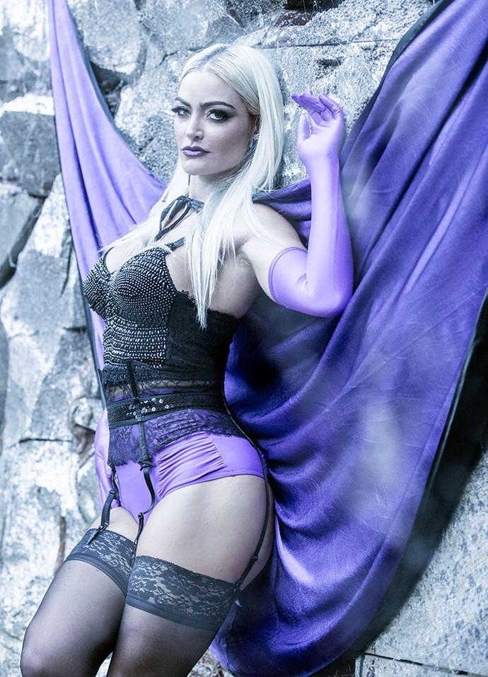 A atriz encarna vampira sexy (Foto: Ellen Soares/ Gshow)