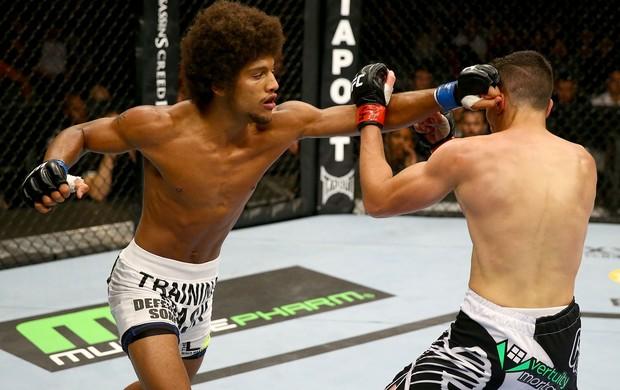 UFC Roland Delorme e Alex Caceres (Foto: Agência Getty Images)