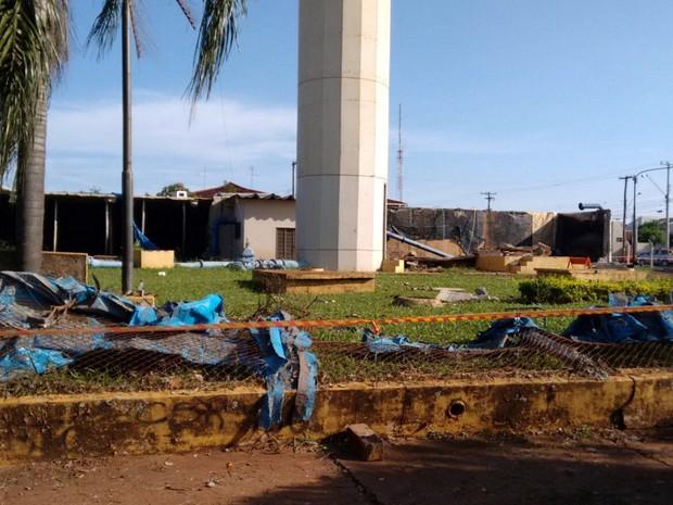 Rompimento de reservatório assustou moradores da Vila Xavier (Foto: Carol Malandrino/G1)