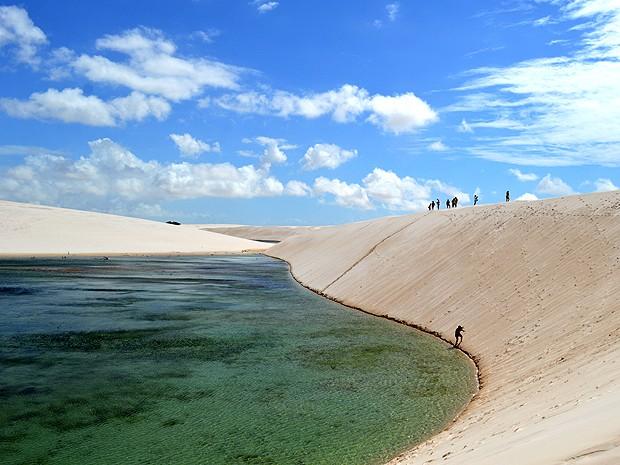 Caminhadas pelas dunas e banhos em lagoas são atrativo (Foto: Maurício Araya / G1)