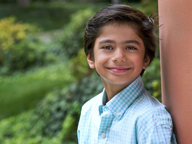 O nova-iorquino Neel Sethi, que vai viver Mogli em nova adaptação de 'O livro da selva' (Foto: Divulgação/Disney)