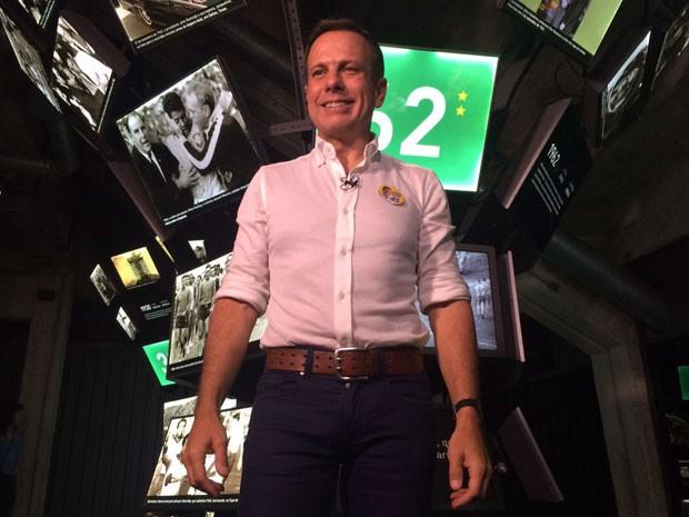 O candidato João Doria em visita ao Museu do Futebol (Foto: Bruna Vieira/TV Globo)