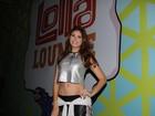 Recém-solteira e com novo silicone, Amanda Gontijo vai ao Lollapalooza