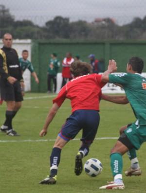 Coritiba vence o Paraná, em um match treino (Foto: Gabriel Hamilko / GloboEsporte.com)