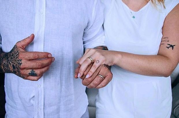 Henrique Fogaça se casou com Carine Ludvic (Foto: Reprodução Instagram)