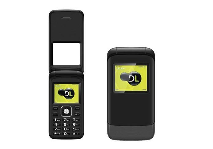 Celular DL YC-230 oferece rádio FM e design com tampa flip (Foto: Divulgação/DL)