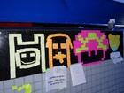 Papéis de post-it viram arte 'em pixels' (Katherine Coutinho / G1)