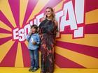 Festa! Famosos participam de gravação especial pelo aniversário de Regina Casé