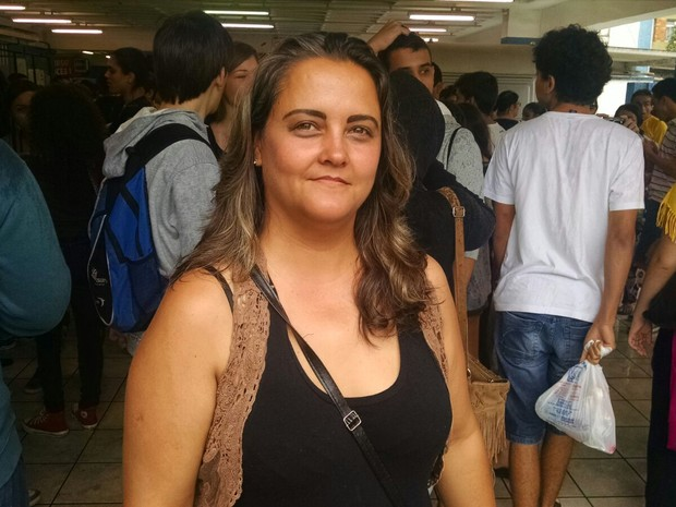 Isabela Alves de Goes demorou 1h15 para chegar no local da prova, em Santos (Foto: Rafaella Mendes/G1)