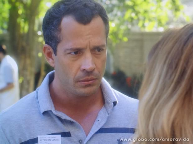 Bruno está decidido a abrir o jogo com Paloma (Foto: Amor à Vida / TV Globo)