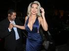 Dani Vieira usa vestido megadecotado, de R$10 mil, para celebrar aniversário