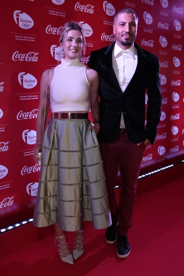 Ex-BBBs Fernando e Aline atraem olhares em tapete vermelho no Rio (Foto: Isac Luz/Ego)