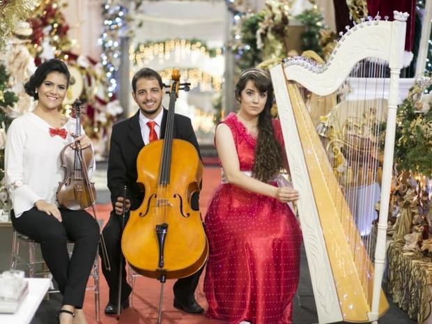 Trio de Cordas se apresenta no Araguaia Shopping em comemoração ao Natal Goiânia Goiás (Foto: Divulgação/Araguaia Shopping)