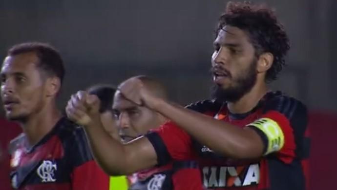 Wallace gol Flamengo x Macaé - frame (Foto: Reprodução)