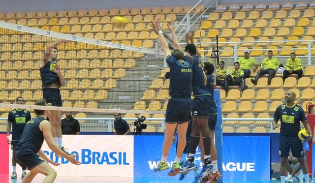 Brasil treina no Aecim Tocantins após longa viagem (Foto: Danielle Rocha)