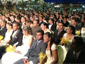 150 casais oficializaram a união no Parque do Povo (Foto: Divulgação/Codecom CG)