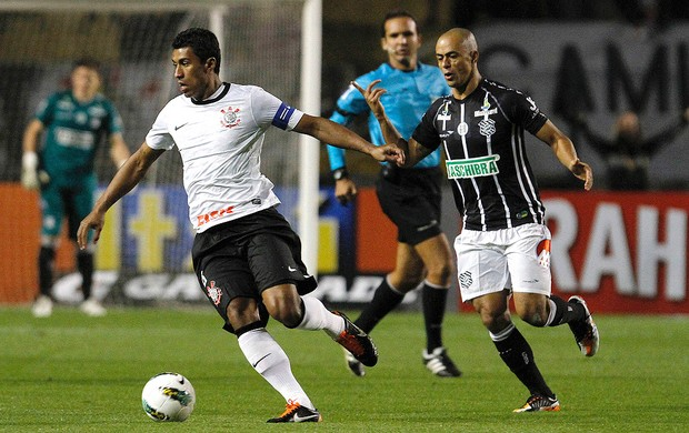 Corinthians x Figueirense, Paulinho (Foto: Leo Pinheiro / Futura Press)