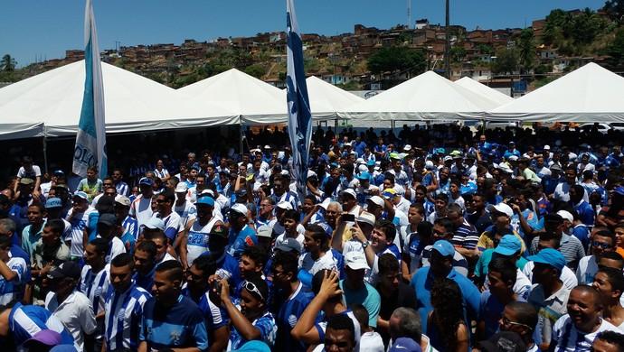 Torcedores do CSA comparecem em bom número no Mutange (Foto: Augusto Oliveira / GloboEsporte.com)