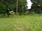Terreno abandonado preocupa moradores em Cacoal, RO