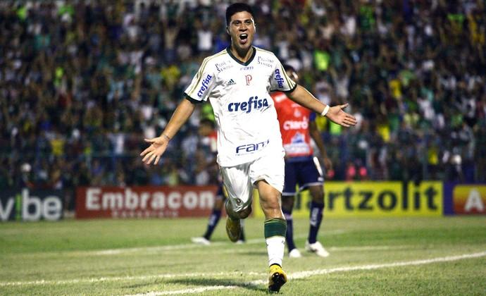 Cristaldo comemora gol do Palmeiras contra o Penapolense (Foto: Rubens Cardia / Estadão Contéudo)