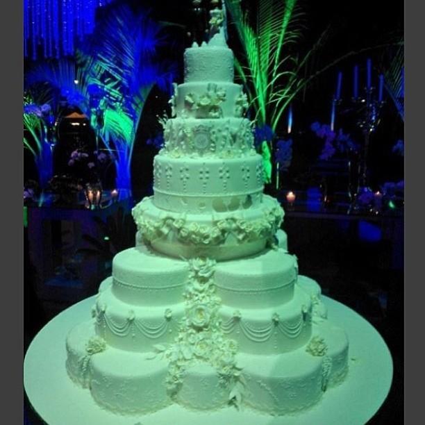 O bolo de Naldo e Moranguinho (Foto: Reprodução/Instagram)