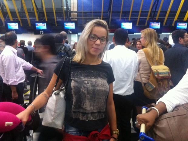 Fernanda Oliveira, de 24 anos, é jogadora de vôlei e aguardava embarque. (Foto: Paulo Piza/G1)