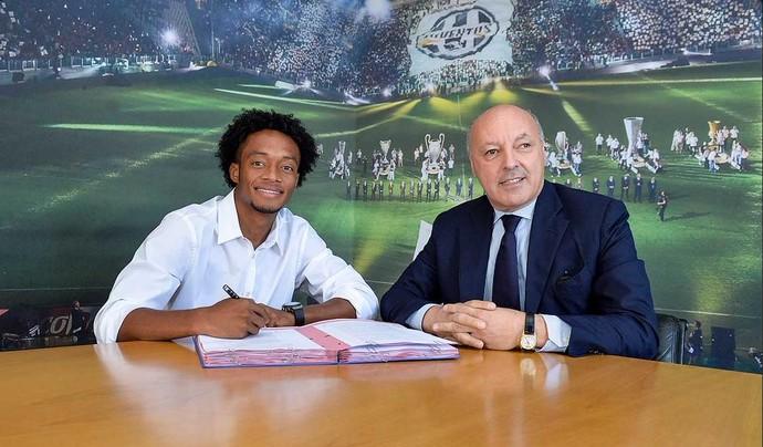 Cuadrado assina com o Juventus (Foto: Twitter)