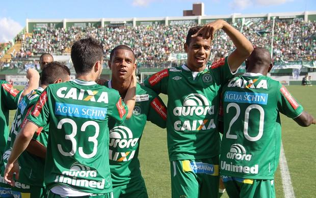 Chapecoense comemora acesso (Foto: Aguante Comunicação/Chapecoense)