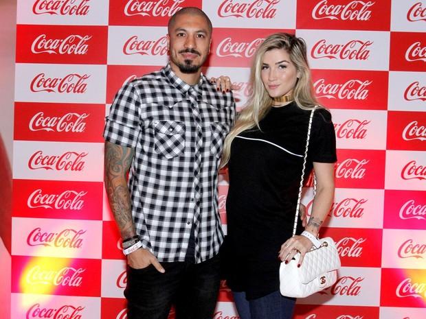 Ex-BBBs Fernando Medeiros e Aline Gotschalg em festa no Rio (Foto: Alex Palarea/ Ag. News)