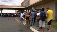 Desempregados tentam vagas no Credeq, em Aparecida de Goiânia