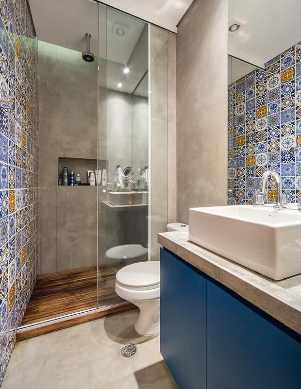 banheiro-azulejo-bancada-pia-madeira (Foto: Divulgação)