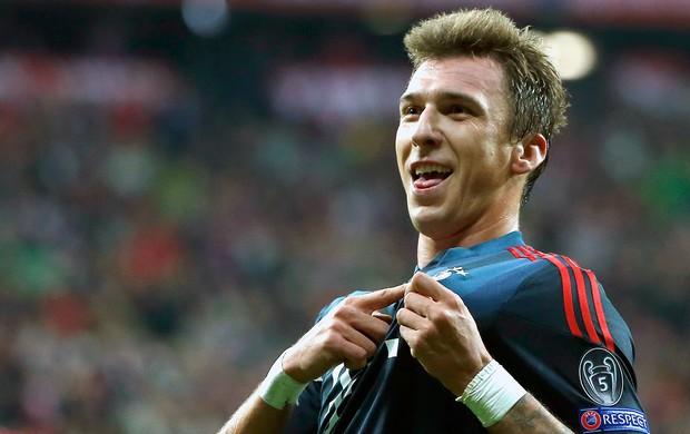 Mario Mandzukic comemoração Bayern de Munique contra CSKA (Foto: AP)