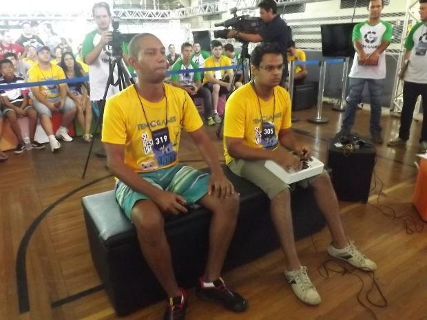 Luanderson e Samuel na grande final do Street Fighter (Foto: Tatiane Santos/G1)