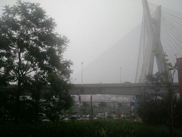 Temporal na Ponte Estaiada, na Zona Sul de São Paulo (Foto: Paulo Guilherme/G1)