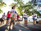 Grupos de maracatu fazem ensaio aberto no bairro de Jaraguá