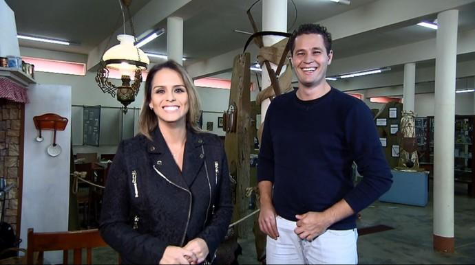 Pedro Leonardo e Aline Lima, se divertem na gravação do programa (Foto: reprodução EPTV)