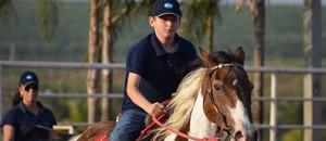 Garoto de 11 anos doma autismo  (Cleber Akamine)