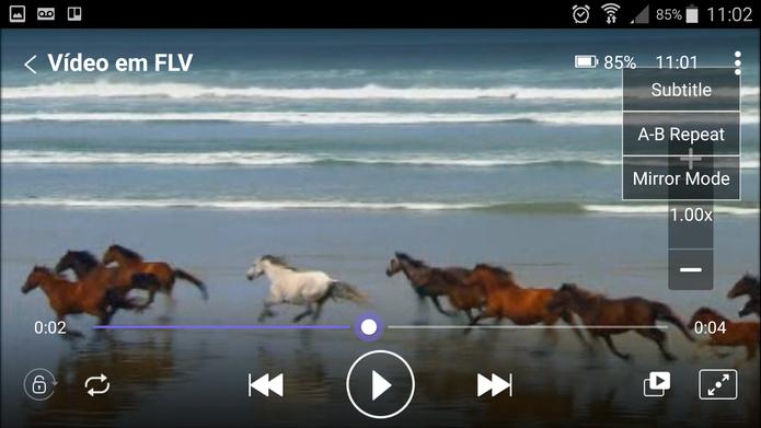 O KMPlayer permite assistir vídeos em FLV com legenda no celular (Foto: Reprodução/Barbara Mannara)