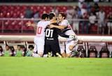 Ceni, Guerrero, Wagner, Diego Souza e Lucca disputam o gol mais bonito