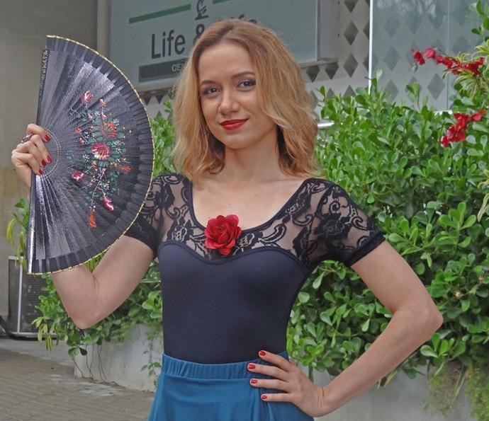 Cristina Lago interpreta uma professora de tango latina  (Foto: Taís Moreno)
