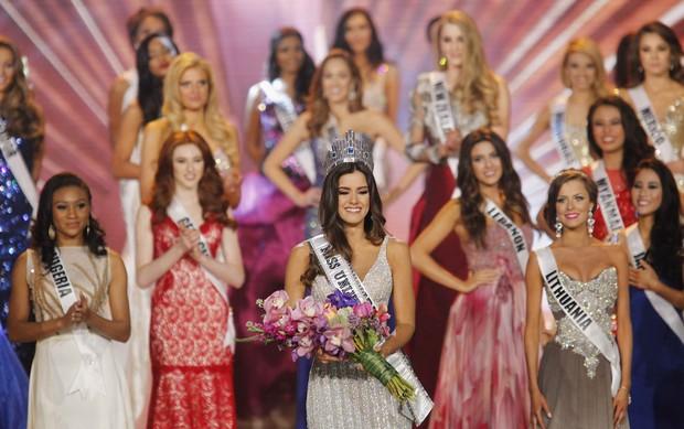 Colombiana Paulina Vega é eleita Miss Universo 2014 em Miami, nos Estados Unidos (Foto: Andrew Innerarity/ Reuters)