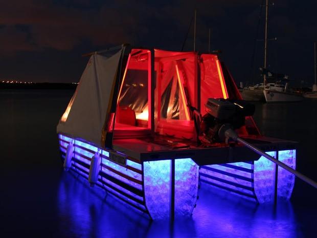 Barco possui laudo técnico de engenheiro naval e é patenteado (Foto: Eduardo Carvalho e Renata Maia/Arquivo Pessoal)