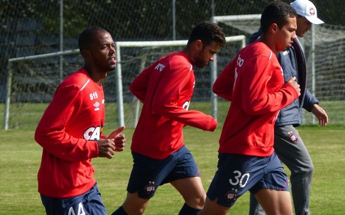 Reynaldo Atlético-PR (Foto: Monique Silva)