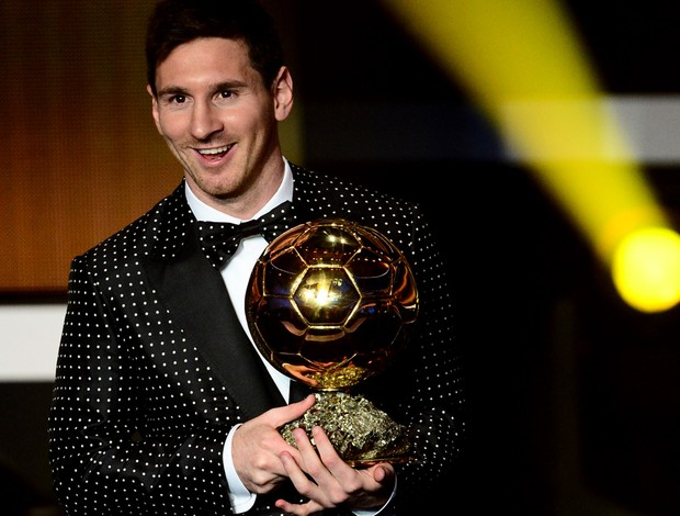 lionel messi bola de ouro premiação estilo roupa (Foto: Agência AFP)